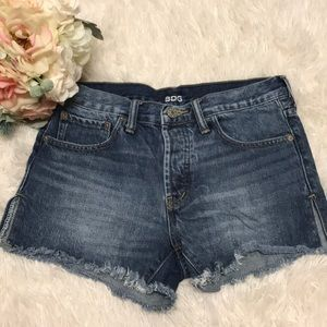 BDG Mid Rise Shorts - size 25